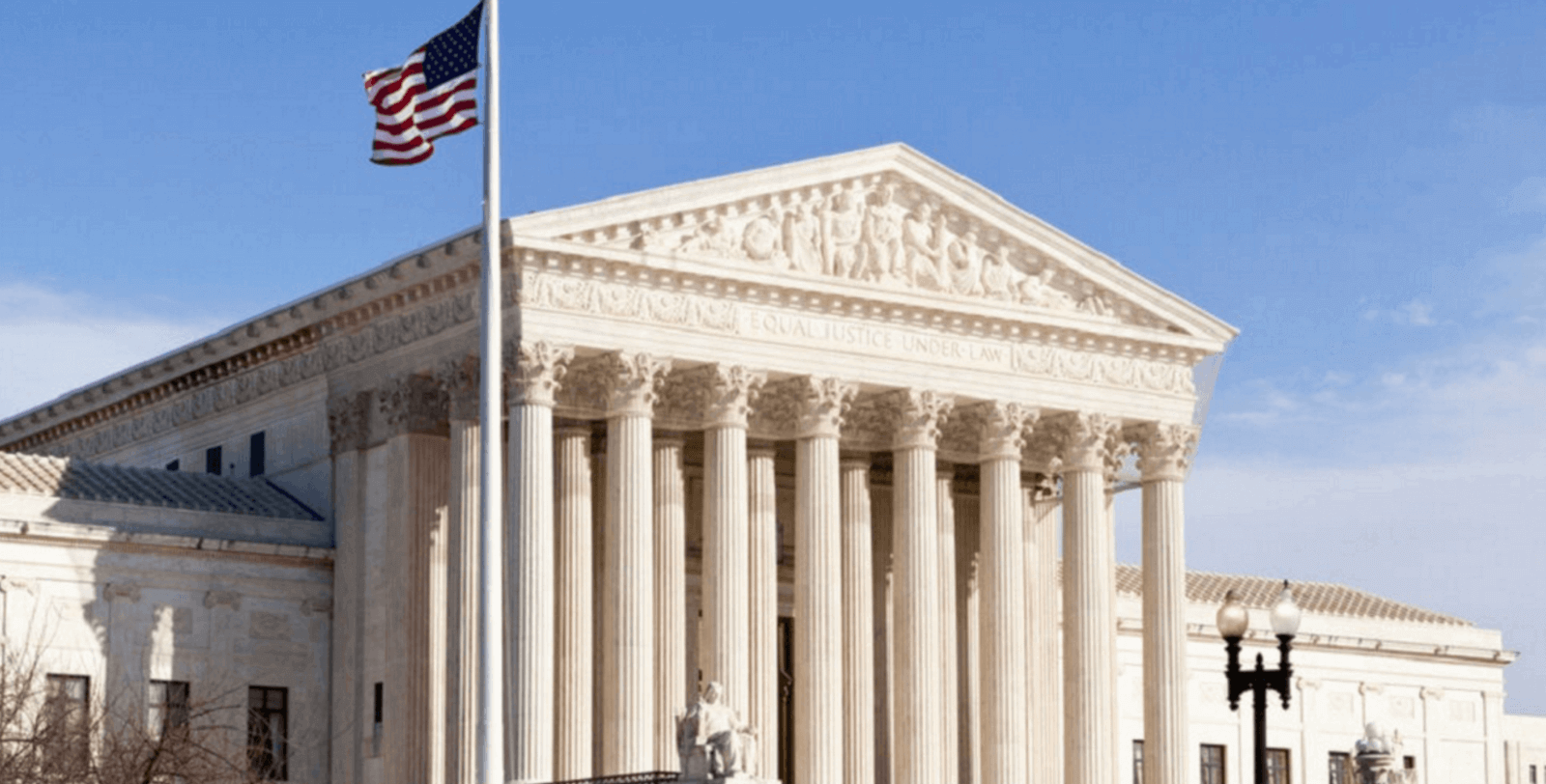 the court battles between the united states government and the microsoft corporation The supreme court on tuesday heard arguments in a dispute between the trump administration and microsoft corp over a warrant for emails stored in the internet cloud outside the united states.
